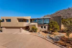 Take a peek inside this $1.1 million mansion for sale in Albuquerque featured on Realtor.com