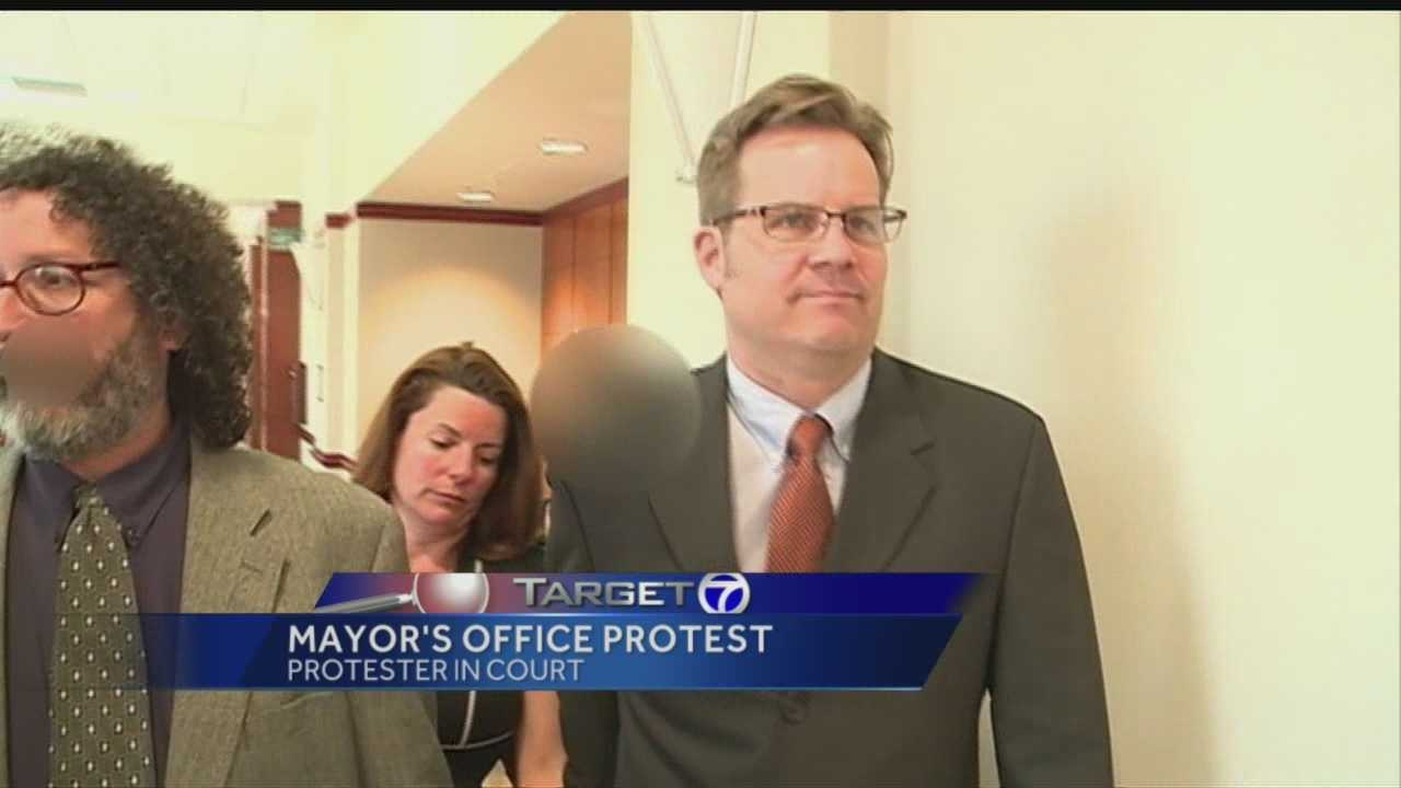Video shows child aiding in Mayor's Office protest