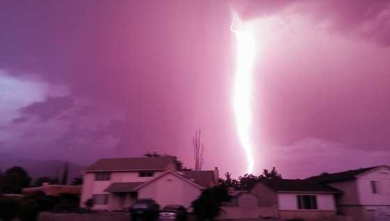 Lightning bolt near Montgomery and Tramway from u local member Brian Lockhart.