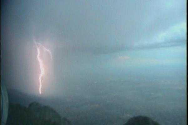 Sandia lightning from @Vince_KOAT