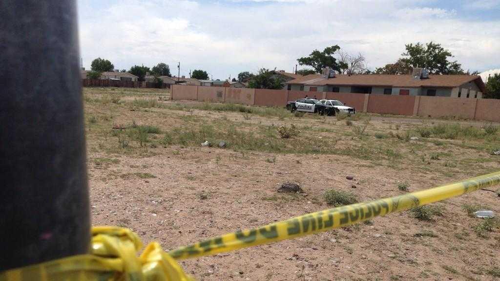 2 men found dead in vacant lot