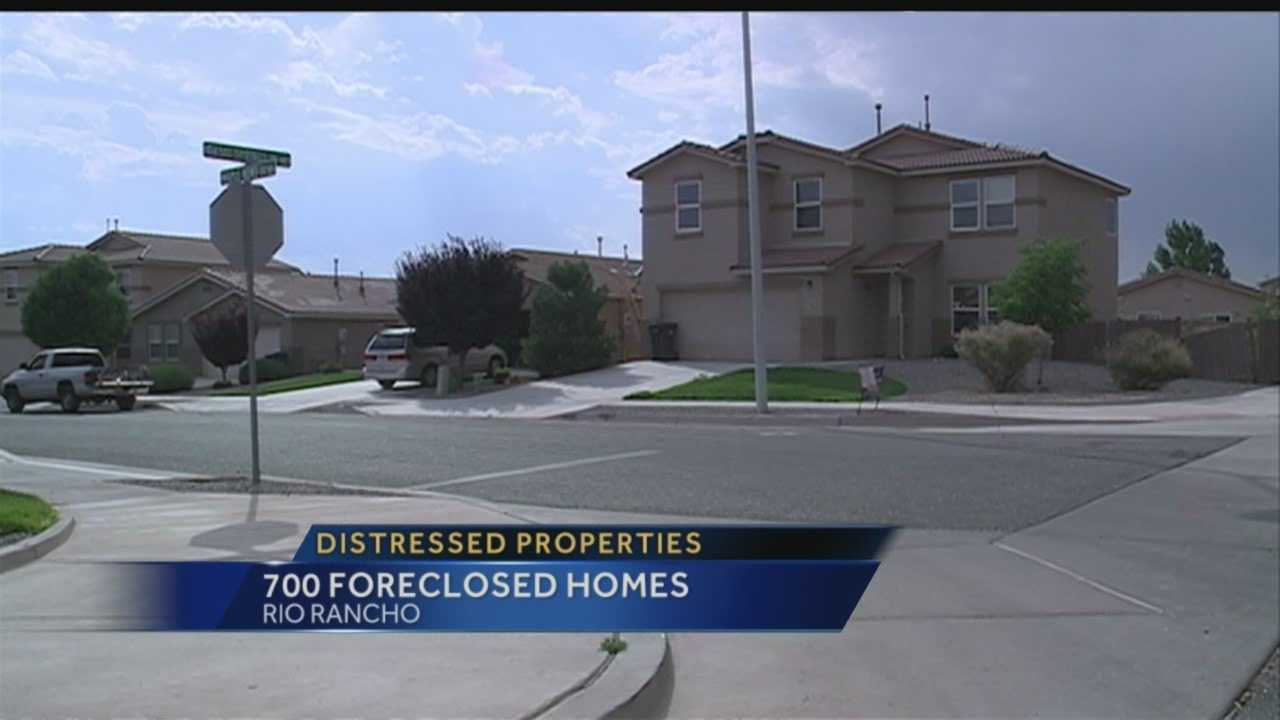 In Rio Rancho, 700 homes are in foreclosure or deserted, and the city's residents are fed up.