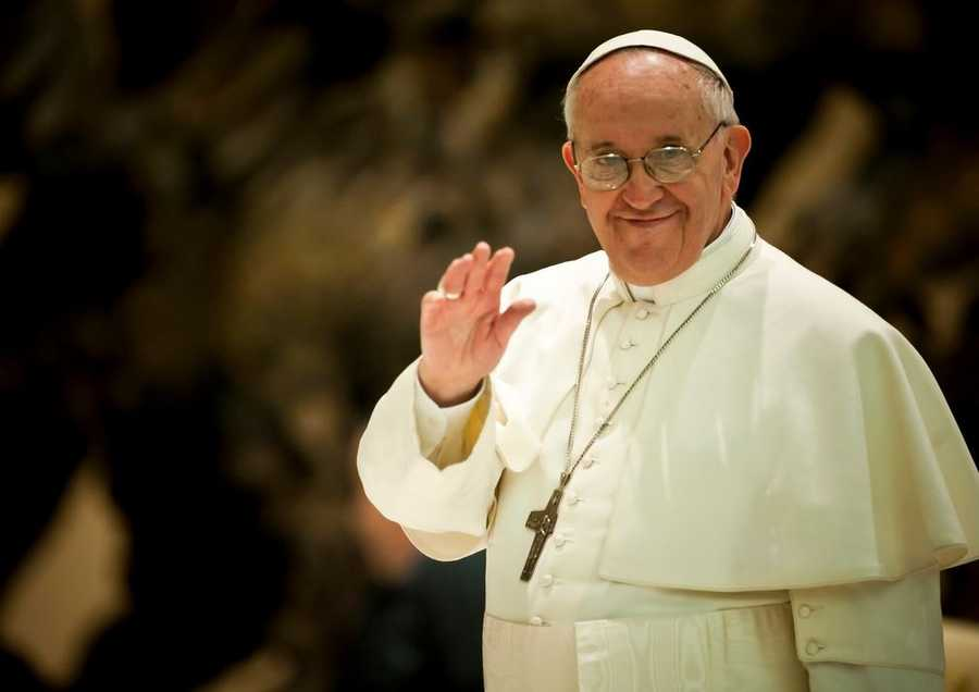 "Pope Francis revealed his top 10 secrets to happiness in a recent interview in the Argentine weekly ""Viva."""
