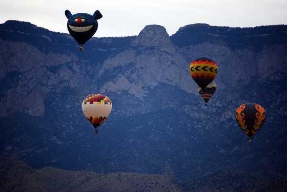 Bringing a camera to Balloon Fiesta? Here's a photo checklist.