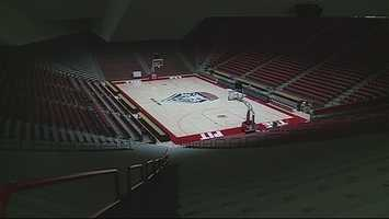 4. Lobo basketball tickets