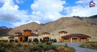 Take a peek inside this $1.3 million mansion for sale in Las Cruces that's featured on Realtor.com.