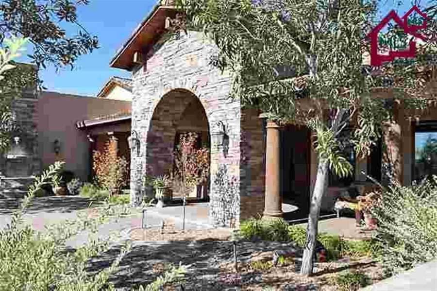 Take a look inside this 5 bedroom, 5 bathroom mansion for sale in Las Cruces (featured on Realtor.com, all photos courtesy Realtor.com).