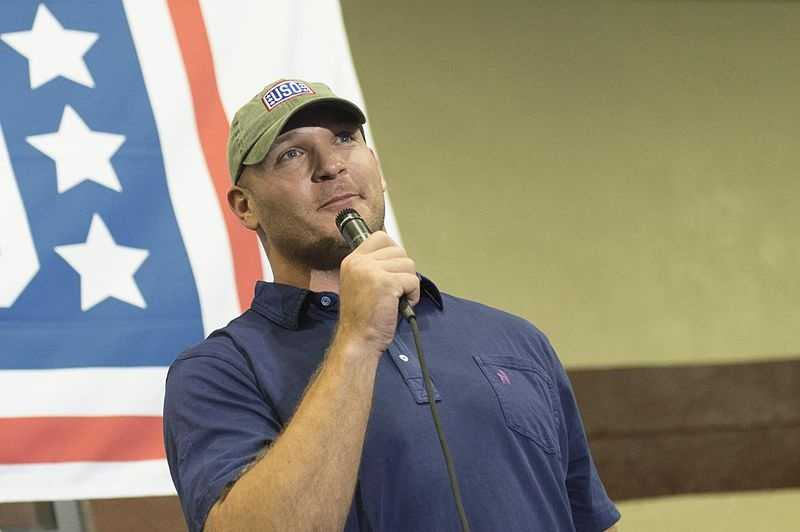 Here are ten things you might not have known about legendary Lobo linebacker Brian Urlacher.
