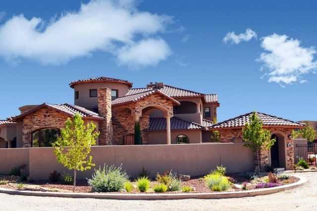 Take a peek inside this 5,500 square foot home for sale in Albuquerque, N.M. that's featured on Realtor.com.