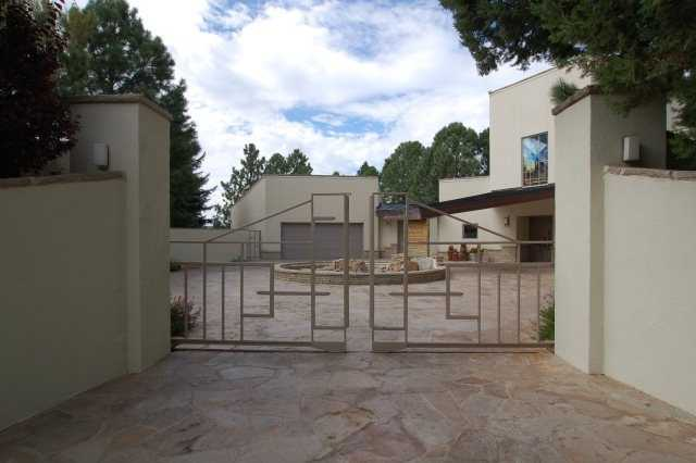 Take a peek inside this $1.65 million mansion for sale in Ruidoso, N.M. that's featured on Realtor.com