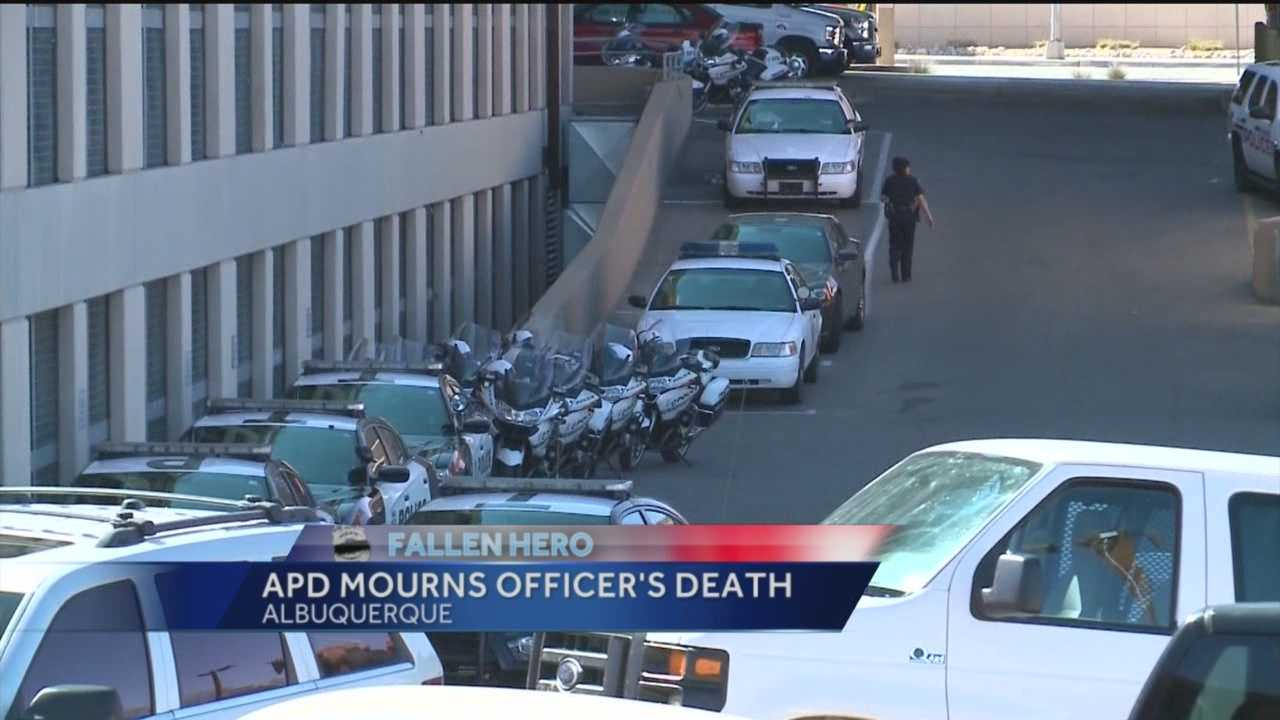 An Albuquerque police officer died Thursday morning after suffering a serious medical episode.