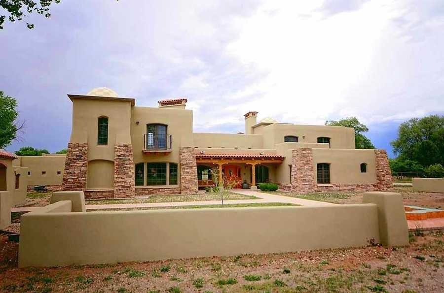 Take a peek inside this 6,000 square foot Albuquerque home that's featured on Realtor.com.