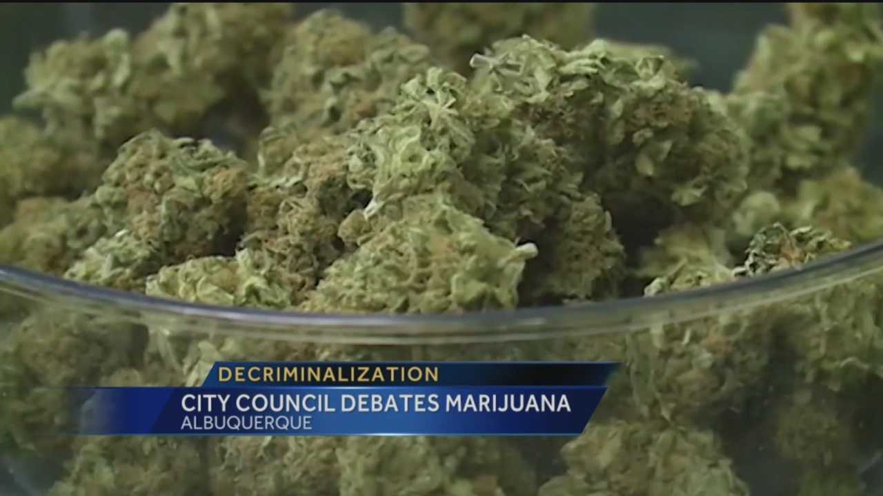 Albuquerque's city council has voted 5-4 in favor of decriminalizing the possession of 1 ounce or less of pot.