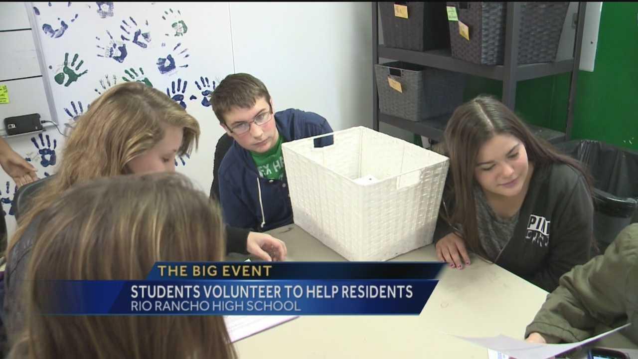 Rio Rancho Students Help Residents