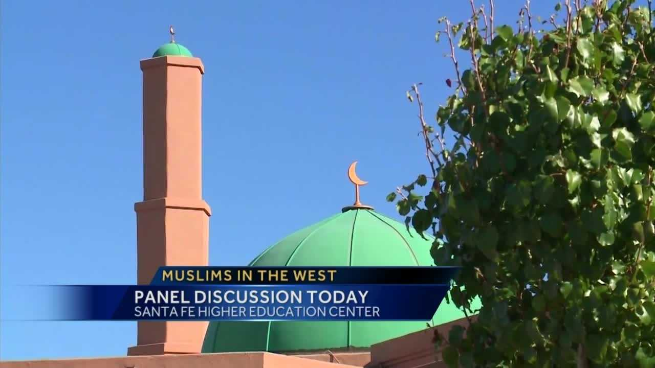 Panel discusses what it's like to be Muslim