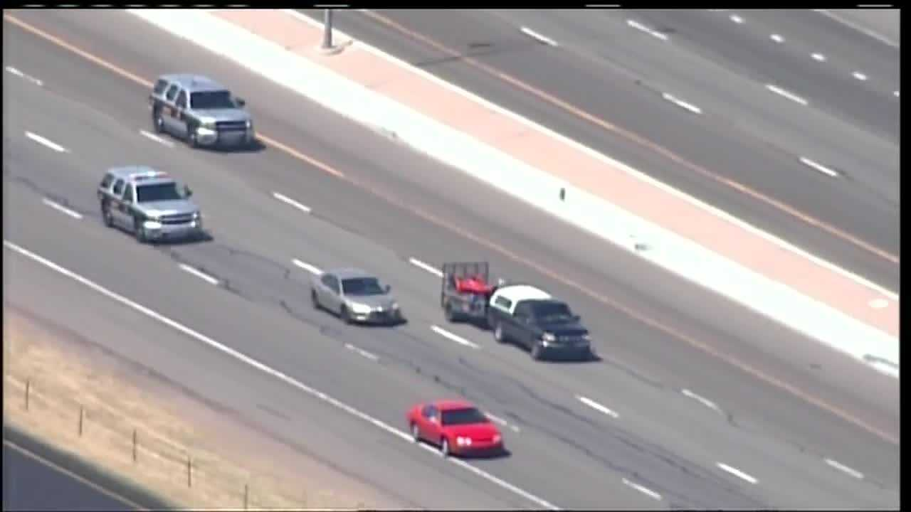 Watch Sky 7 fly over a high-speed speed chase on I-25.