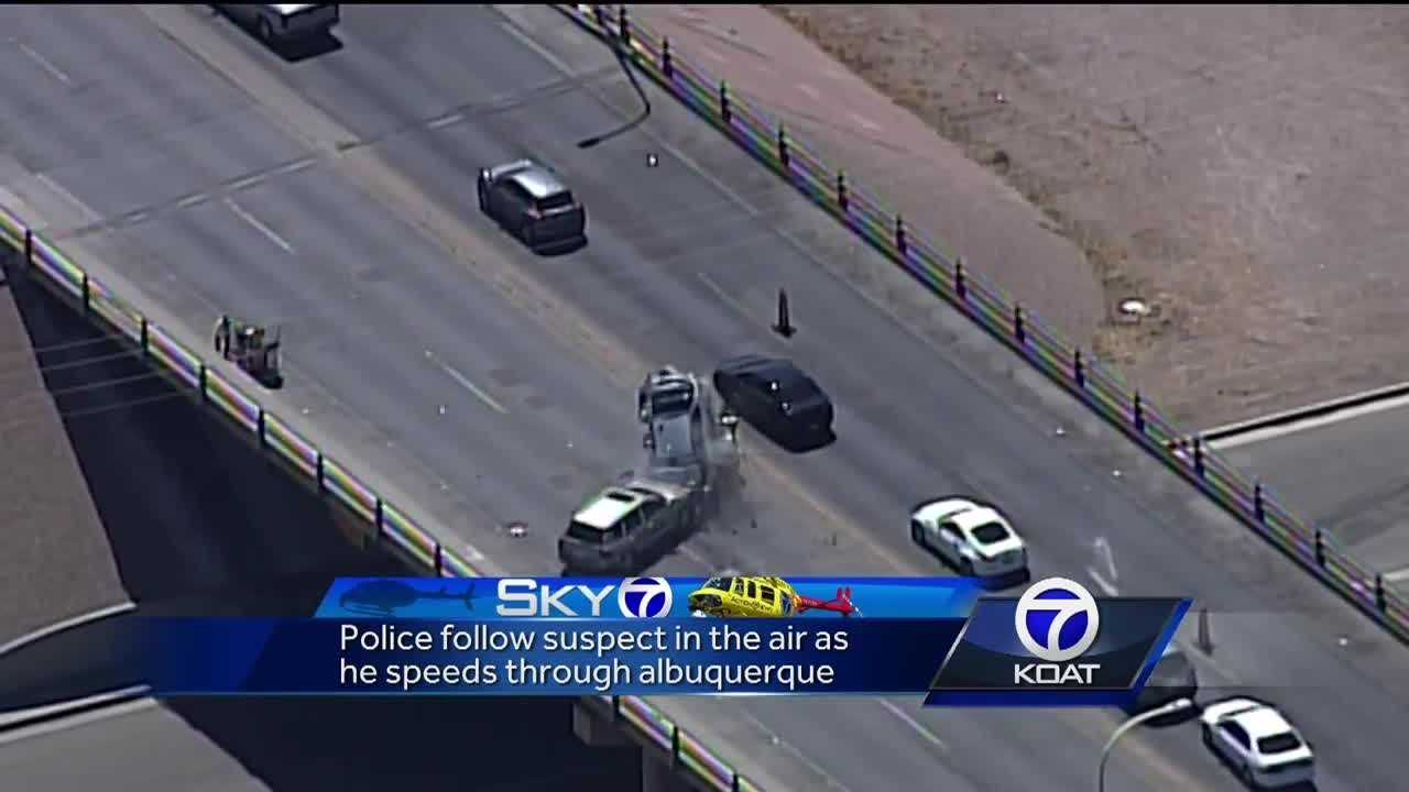 Police pursuit suspect causes crash