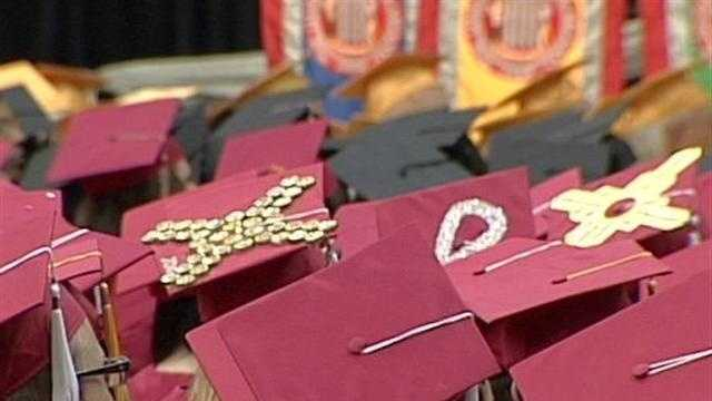 UNM Says Graduation Rate Is Average - 27831957
