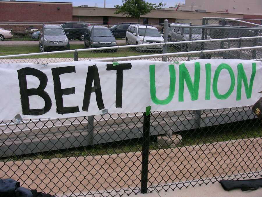 Norman North made their intentions clear as well. One mission, one goal. Beat Union. Win the State title.