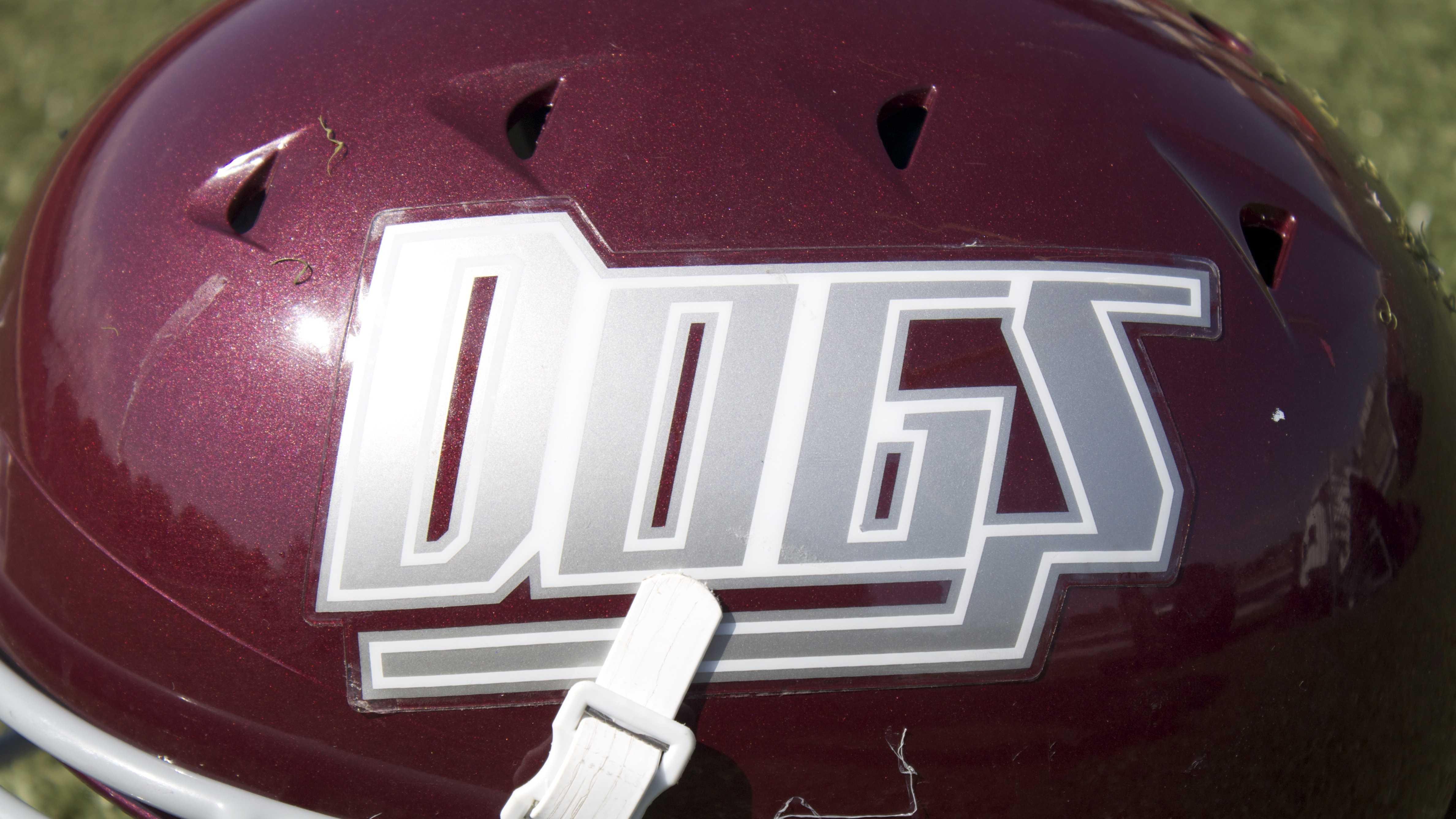 Edmond Memorial Bulldogs helmet