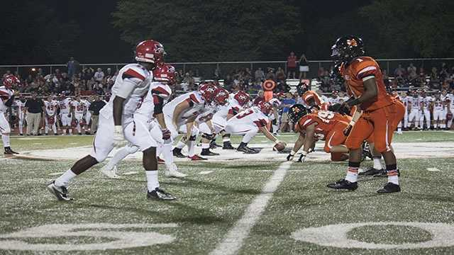 Mustang tried to hold their own against this Tiger defense, but the Mustangs struggled to give their quarterback Frankie Edwards time in the pocket and open up running lanes.