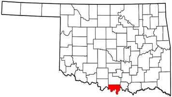 Love County: Mitt Romney: 2,436 votes&#x3B; 70.2 percent. Barack Obama: 1,034 votes&#x3B; 29.8 percent.