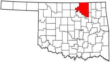 Osage County: Mitt Romney: 11,218 votes&#x3B; 62.6 percent. Barack Obama: 6,695 votes&#x3B; 37.4 percent.