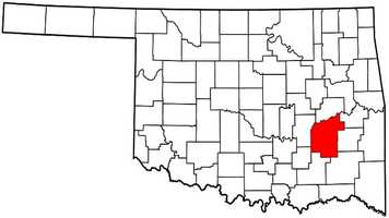 Pittsburg County: Mitt Romney: 10,785 votes&#x3B; 69.1 percent. Barack Obama: 4,813 votes&#x3B; 30.9 percent.