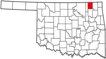 Nowata County: Mitt Romney: 2,832 votes&#x3B; 69.5 percent. Barack Obama: 1,244 votes&#x3B; 30.5 percent.