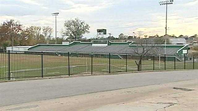 Seminole teen stabbed to death near football field