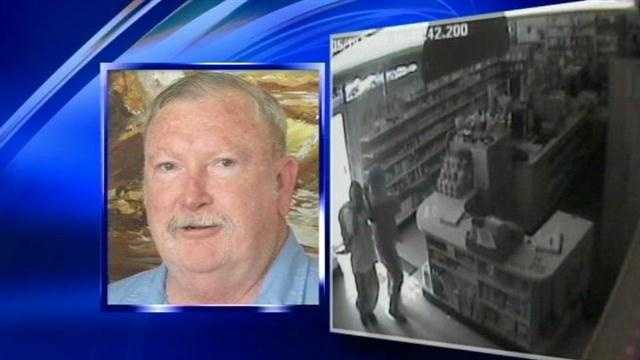 Convicted pharmacist accused of trying to smuggle drugs