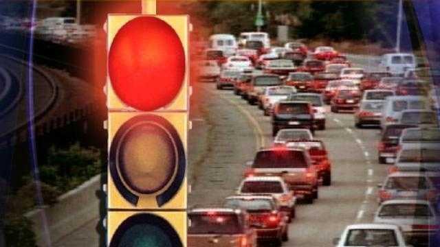 GENERIC Traffic Jam-Stop Light - 21300069_medRes.jpg_medRes.jpg