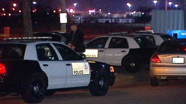 Mom and teen son shot at southwest OKC apartment