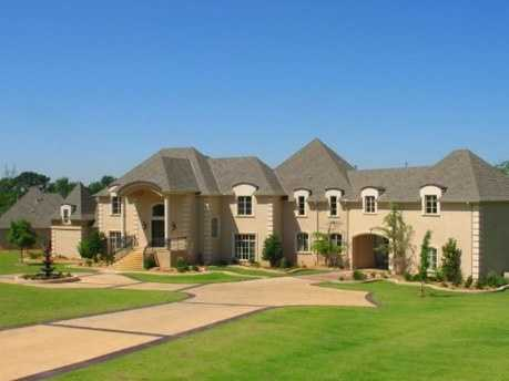 This estate sits on 13 acres of land and has 7 bedrooms and 10 baths! The guest house has more than 2,000 square feet of living space. You can have this house for $4.5 million. For more information on this home, click here.