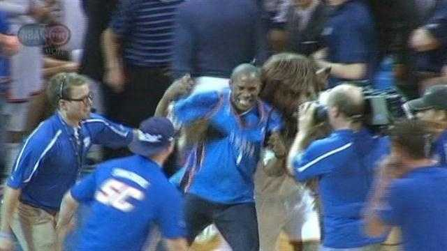 Thunder fan cashes in during game