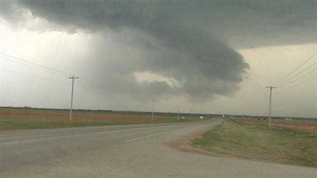 KOCO News 5 crews chase storms in NW Oklahoma
