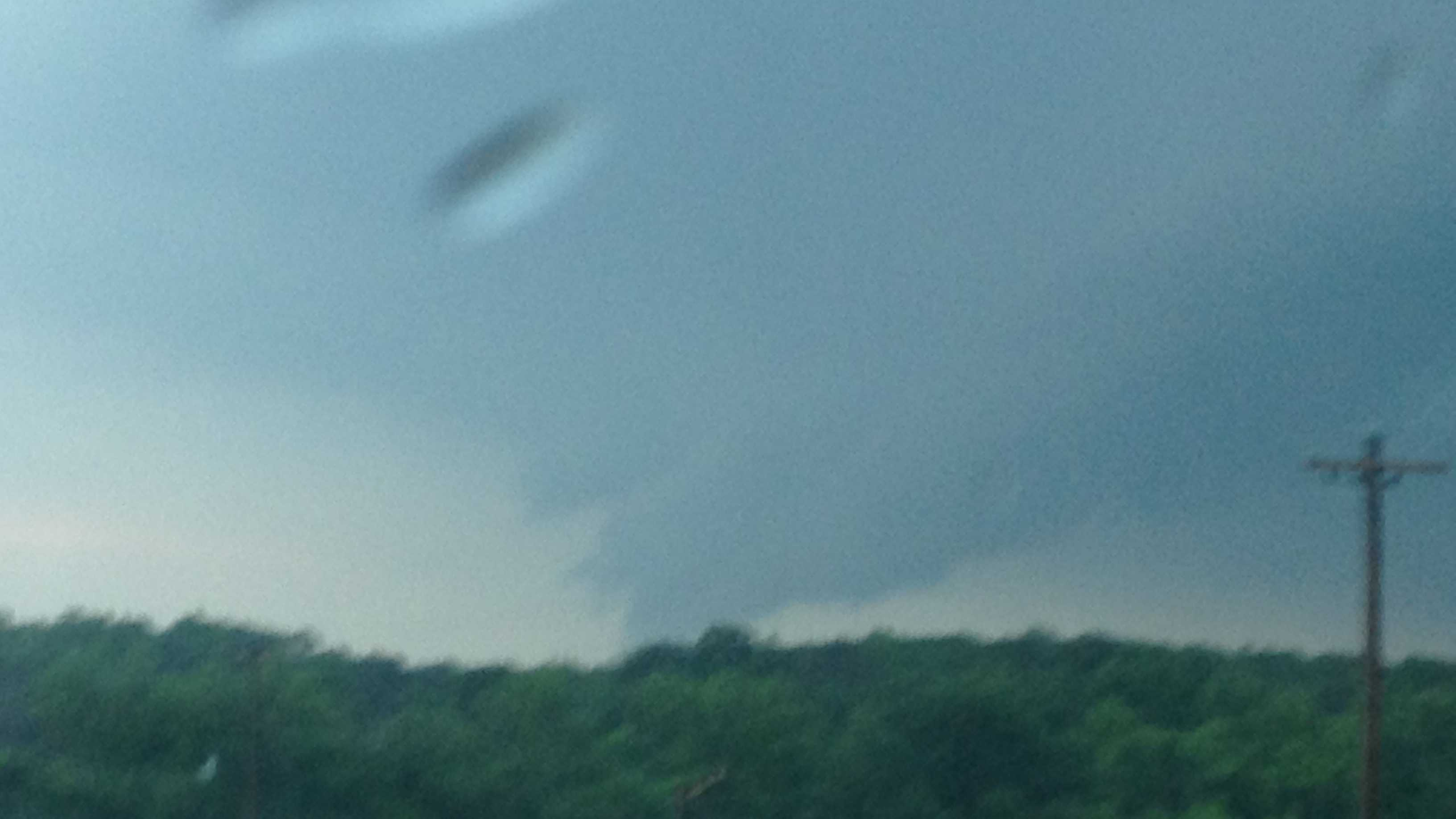 Wall cloud south of Mayesville