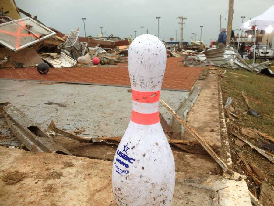 KMBC photojournalist Robin Davis sent us this photo from a Moore bowling alley.