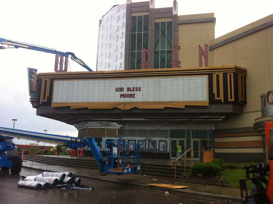 Warren movie theater in Moore