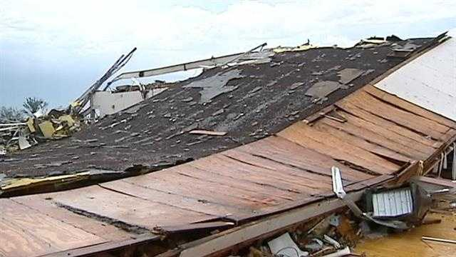 img-Students return to storm-damaged school