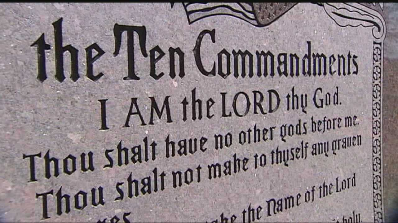 img-ACLU files suit over Ten Commandments in state Capitol 6P H