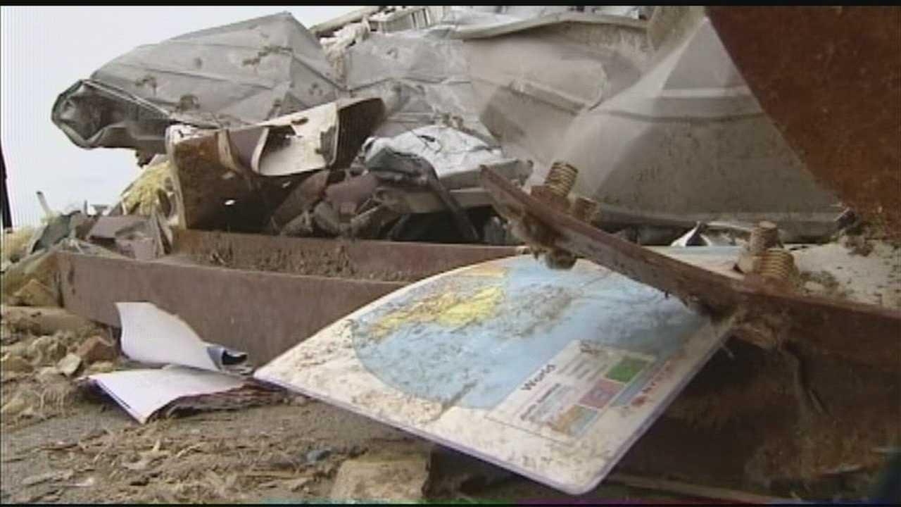 img-Oklahoma lawmaker announces petition drive for school storm shelter vote 5P H