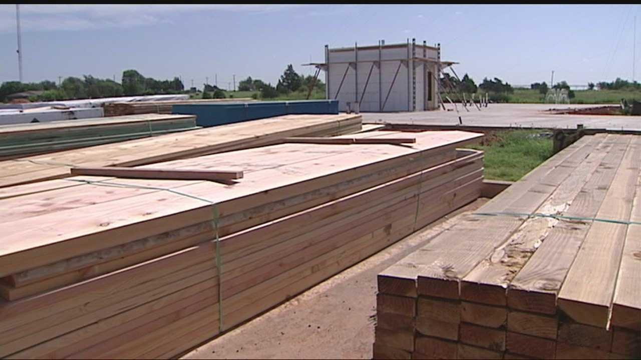 img-Oklahoma lawmaker announces petition drive for school storm shelter vote 10P H