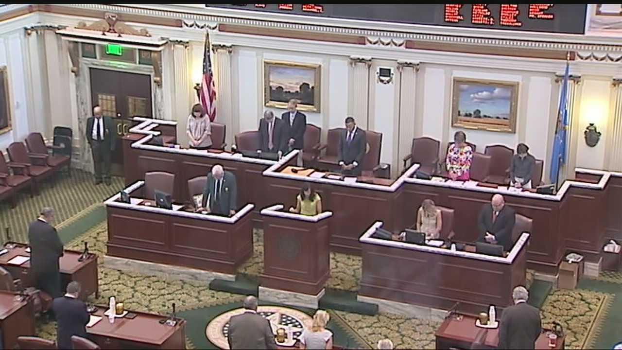 img-Legislators return for special session on lawsuits 6P H
