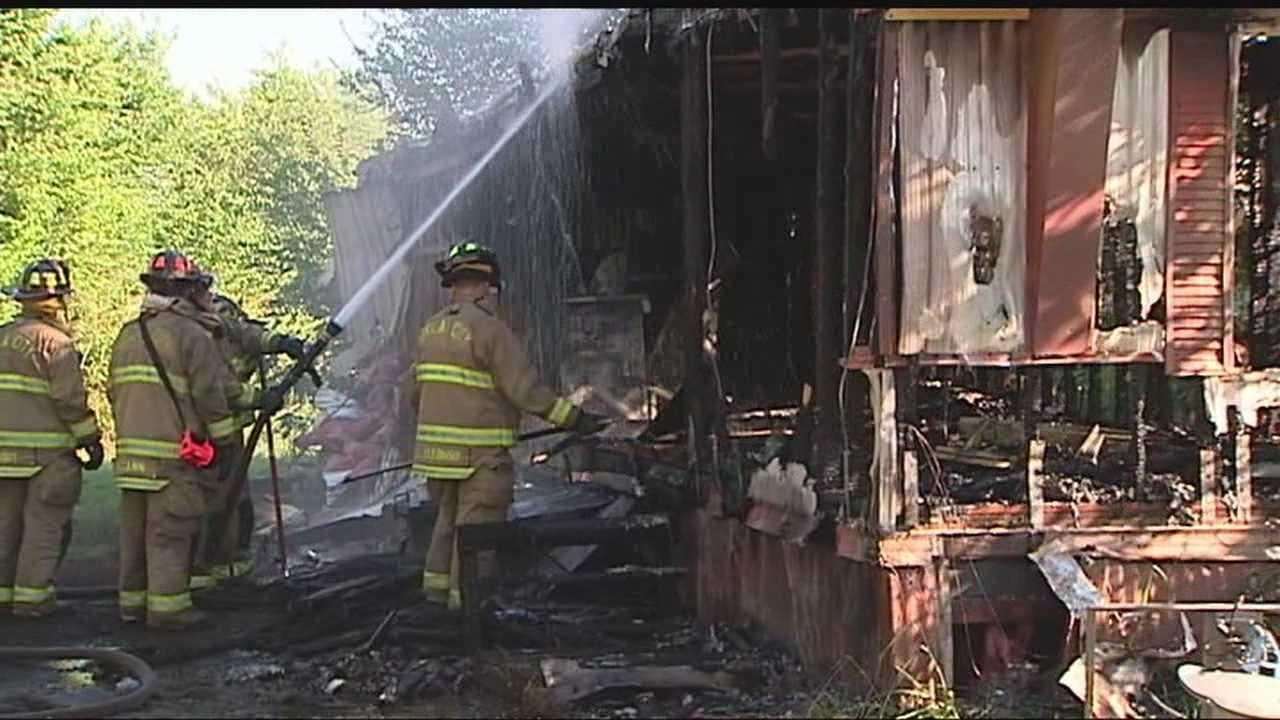 img-OKC man narrowly escapes massive trailer fire 5P H