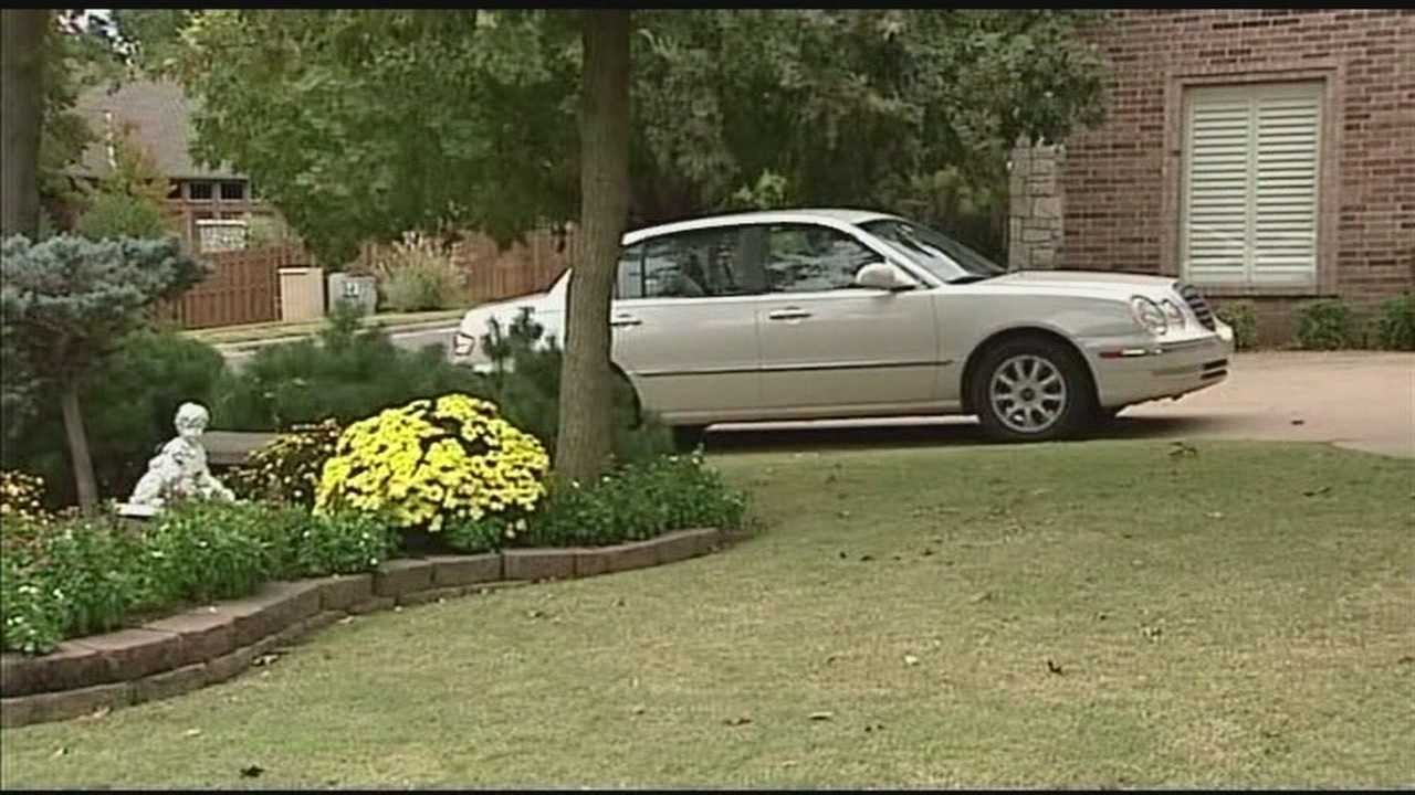 An Edmond neighborhood is seeing an uptick in car burglaries.