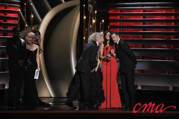 Little Big Town accepts award for best band during the 47th Annual CMA Awards on ABC.