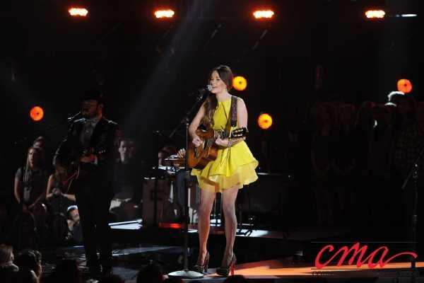 Kacey Musgrove performs in the 47th Annual CMA Awards on ABC.