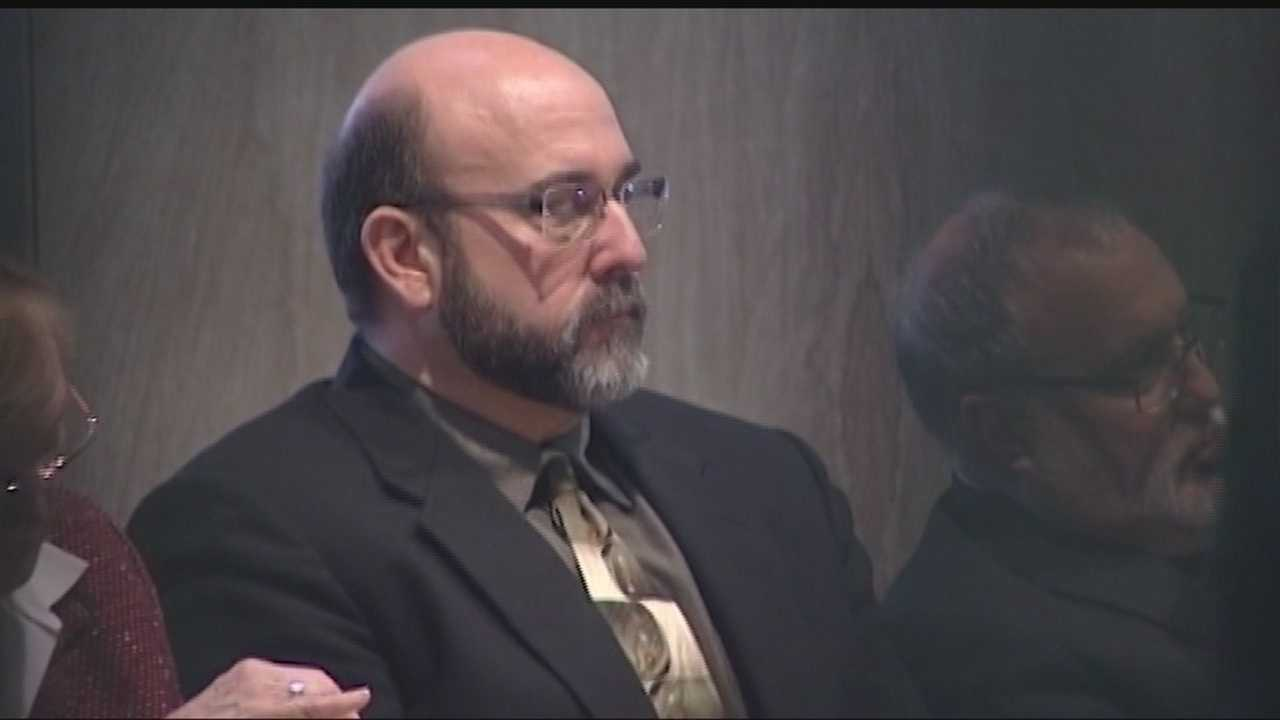 img-Jury deadlocked in Del City police officer trial