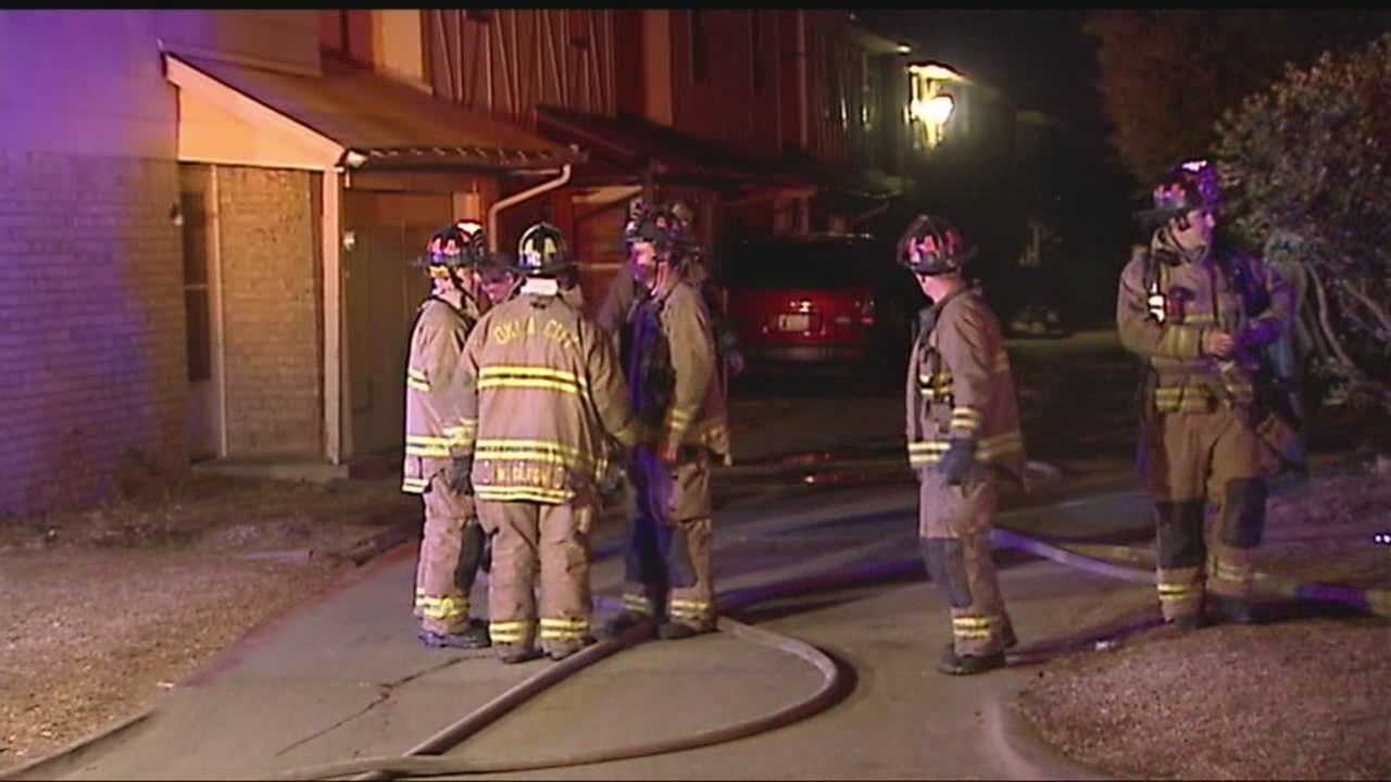 img-7 people escape townhouse fire